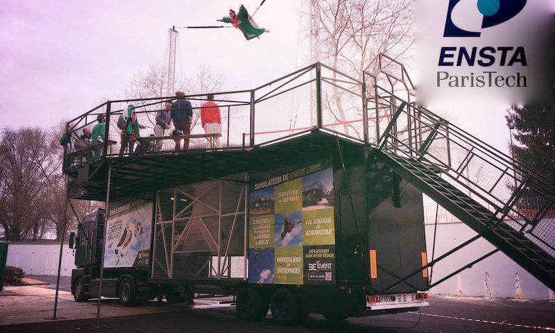 Installation du simulateur de vol Body Fllght sur le campus de l'ENSTA Paristech à Palaiseau